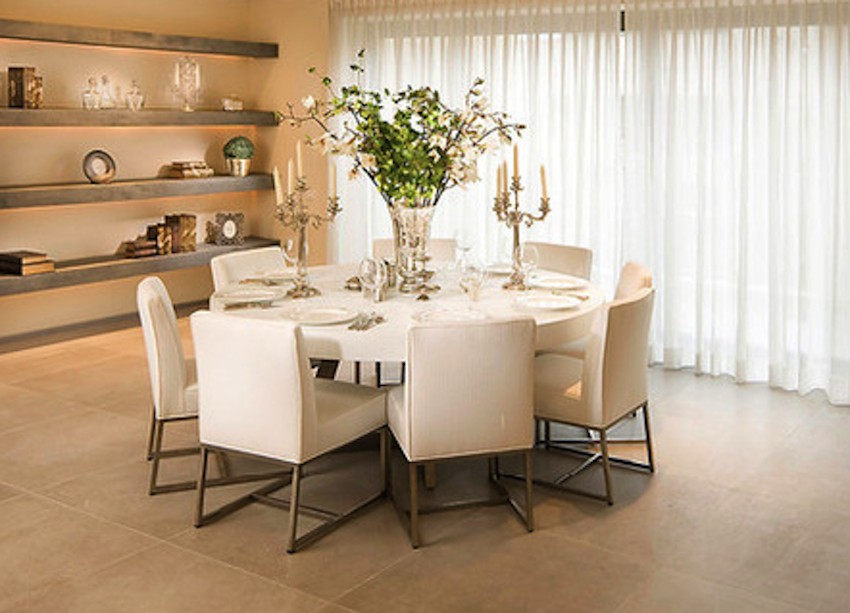10 fantastic modern dining table centerpieces ideas for Round dining room table centerpieces