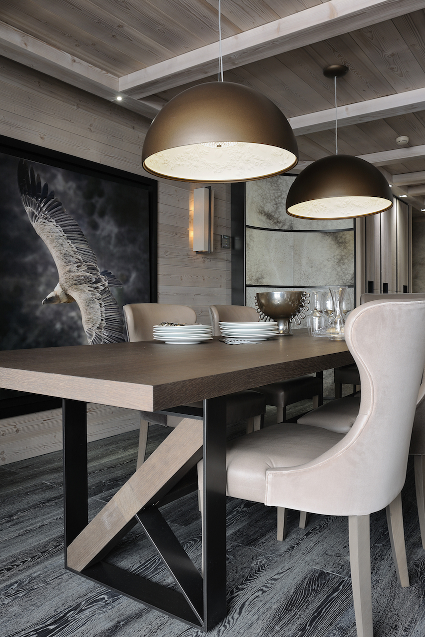 10 Incredible Dining Room Ideas That Will Fascinate You ➤ Discover the season's newest designs and inspirations. Visit us at www.moderndiningtables.net #diningtables #homedecorideas #diningroomideas @ModDiningTables