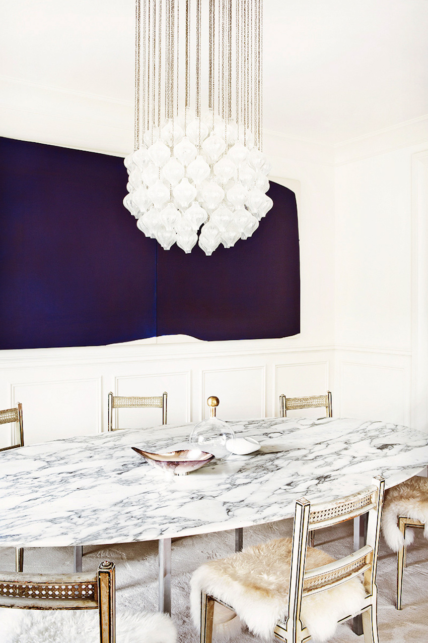 10 extraordinary dining room ideas with marble dining tables for Marble dining room table