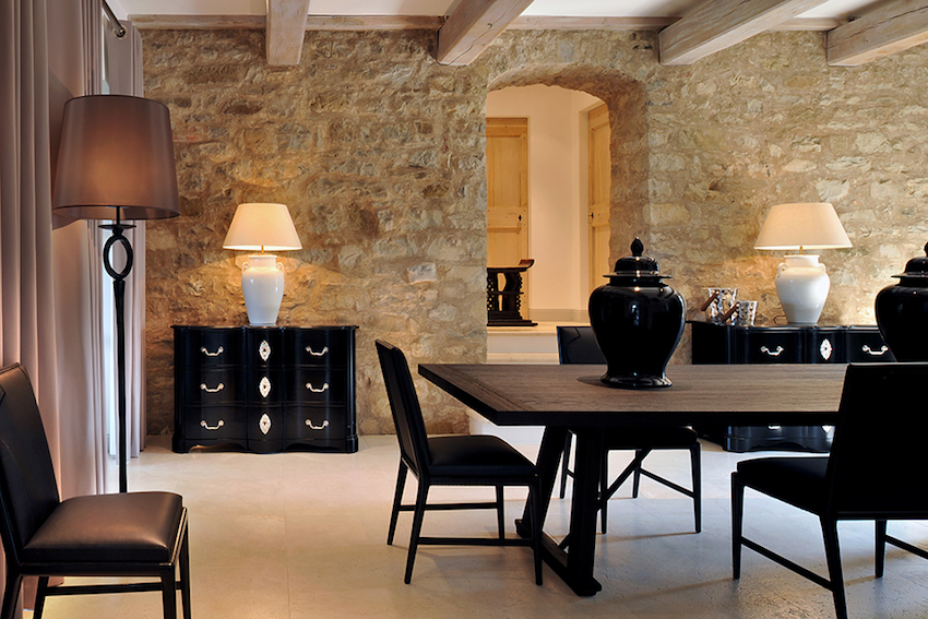 10 Gorgeous Black Dining Tables for Your Modern Dining Room. Discover the season's newest designs and inspirations. Visit us at www.moderndiningtables.net #diningtables #homedecorideas #diningroomideas black dining tables 10 Gorgeous Black Dining Tables for Your Modern Dining Room 10 Gorgeous Black Dining Tables for Your Modern Dining Room 5