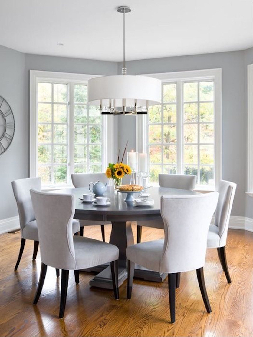 10 marvelous dining room sets with upholstered chairs for Breakfast room furniture
