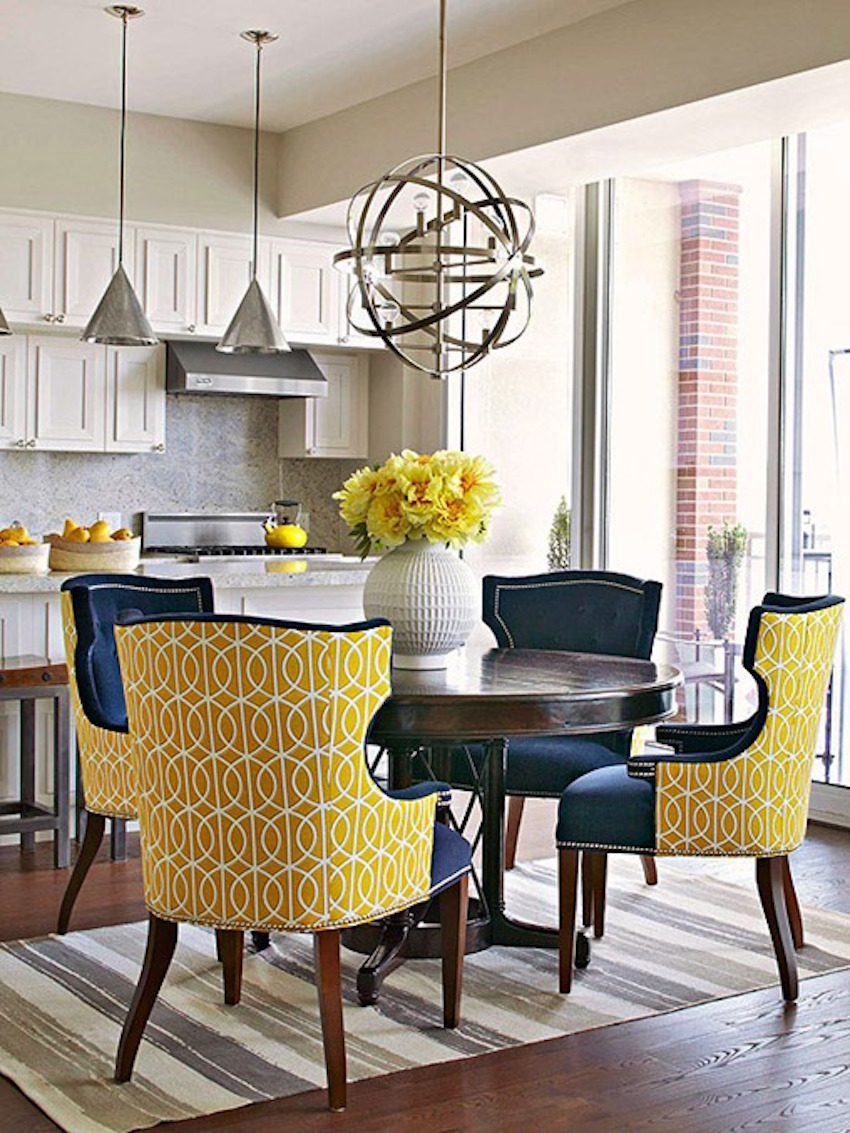 10 marvelous dining room sets with upholstered chairs for Dining room 8 chairs