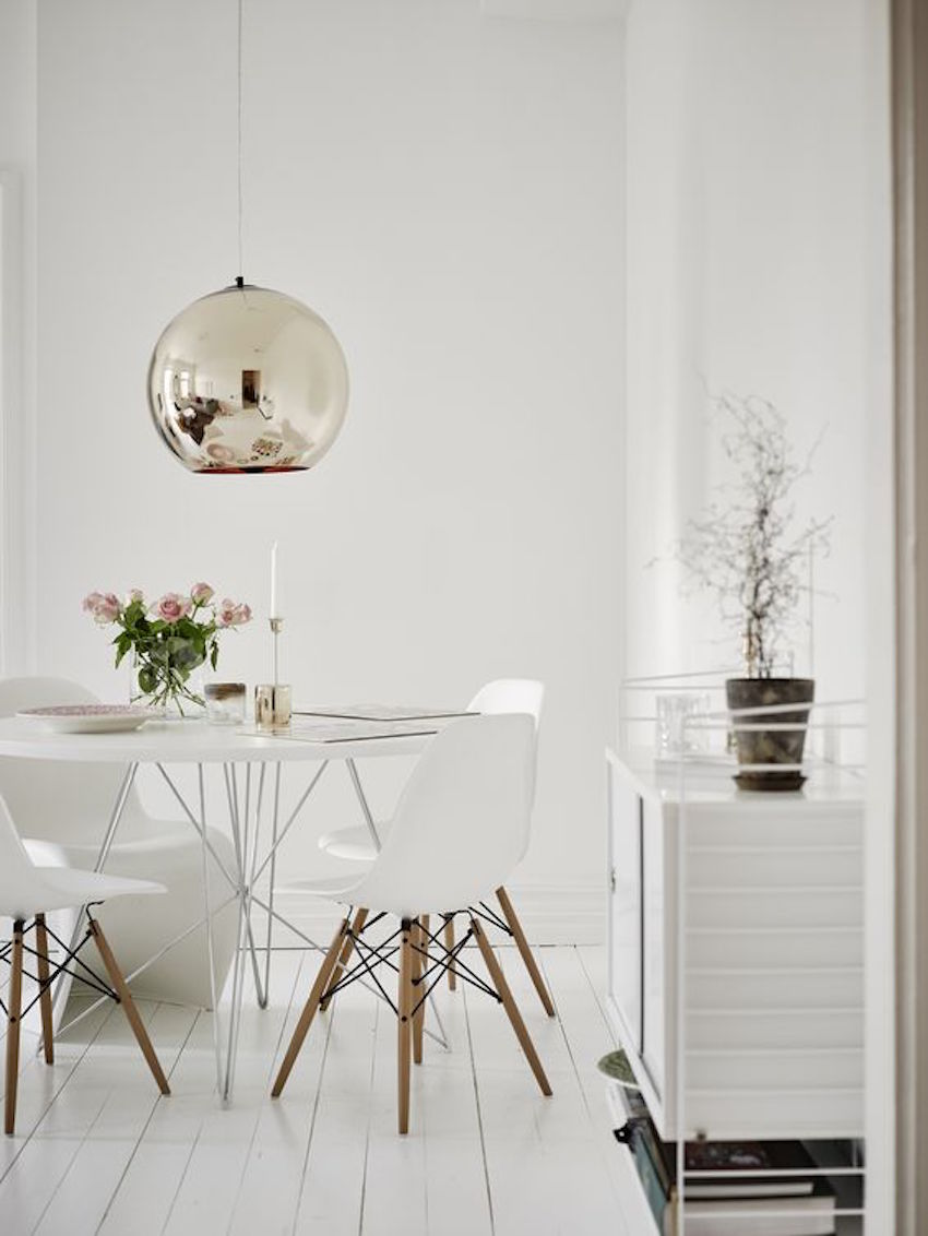 At first take a look at this beautiful white dining room round dining