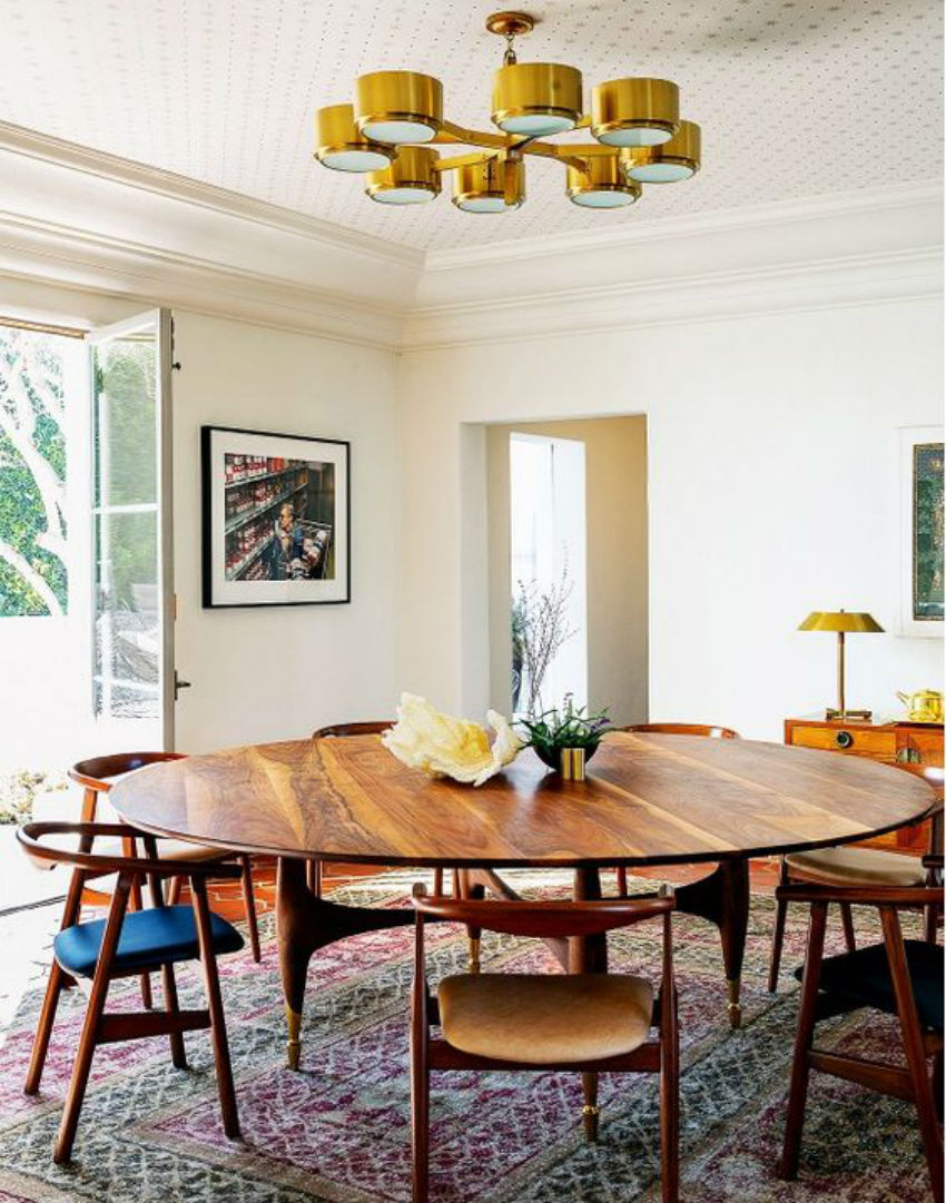 7 inspirational mid century modern dining room sets for Dining table in living room pictures