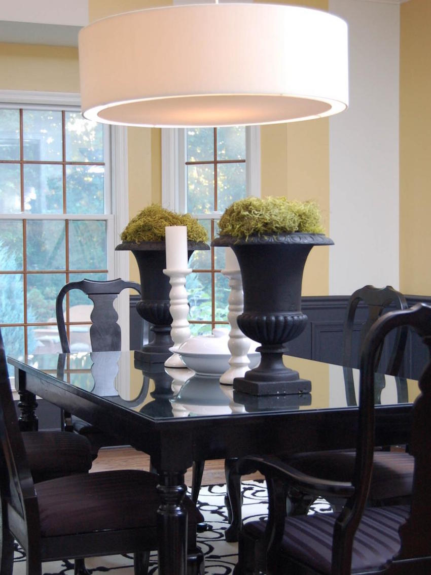 10 astonishing color scheme ideas for dining rooms that for Best color for dining room table