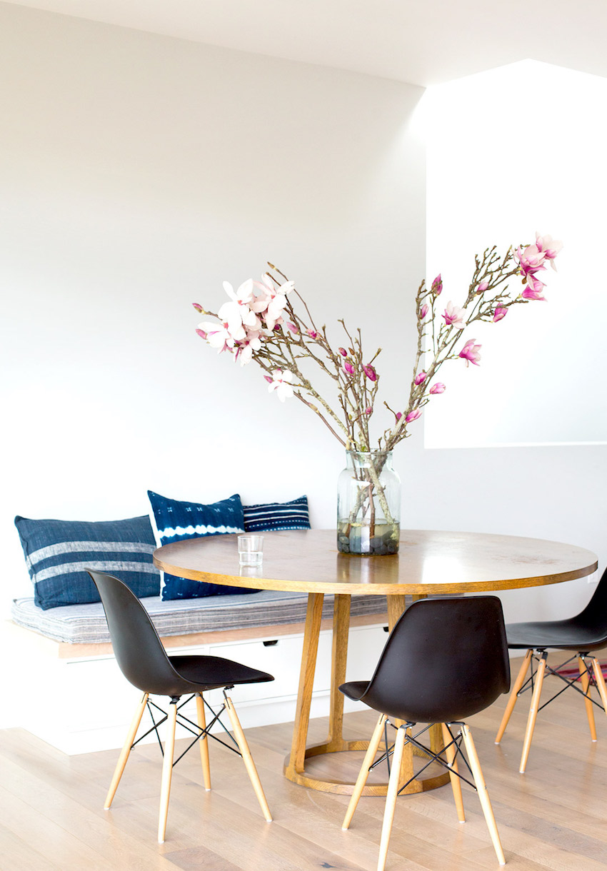 10 Inspiring Small Dining Table Decor Ideas That You Gonna Love ➤ Discover the season's newest designs and inspirations. Visit us at www.moderndiningtables.net #diningtables #homedecorideas #diningroomideas @ModDiningTables small dining table ideas 15 Inspiring Small Dining Table Ideas That You Gonna Love 10 Inspiring Small Dining Tables That You Gonna Love 8