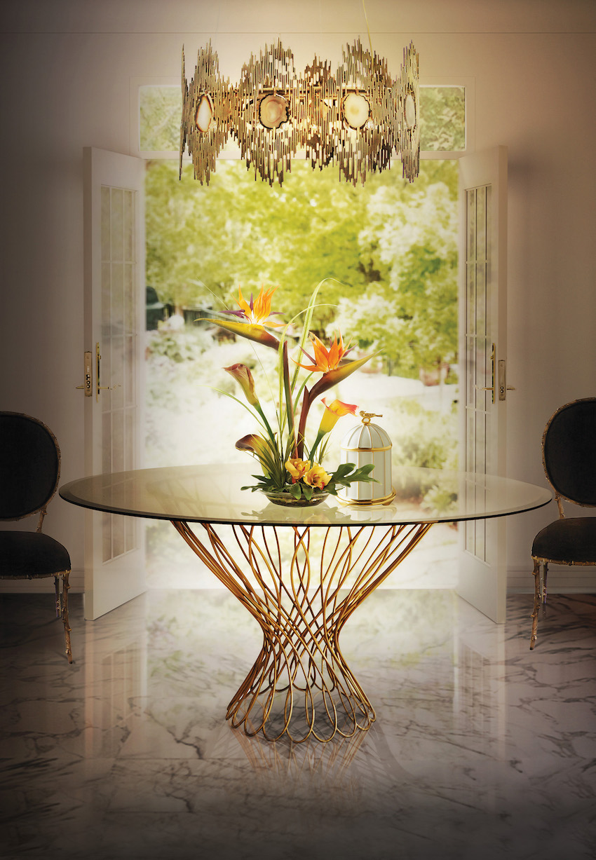 5 Great Reasons Why Glass Dining Tables Are Perfect to Small Spaces ➤ Discover the season's newest designs and inspirations. Visit us at www.moderndiningtables.net #diningtables #homedecorideas #diningroomideas @ModDiningTables