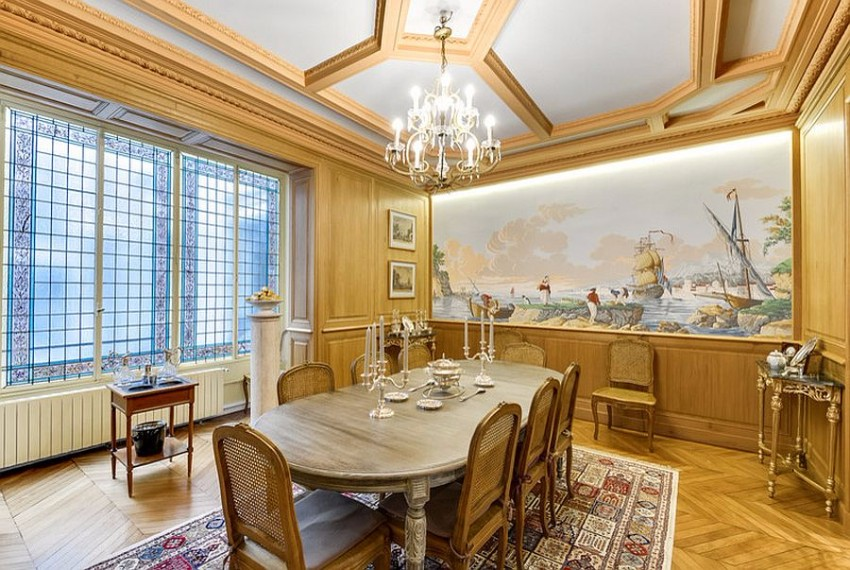 gold-never-disappoints-in-the-glitzy-victorian-dining-space victorian 10 Superb Victorian Dining Rooms  Gold never disappoints in the glitzy Victorian dining space