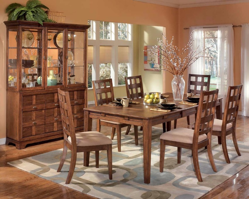 Exciting Salmon Dining Room Color With Decorative Wooden