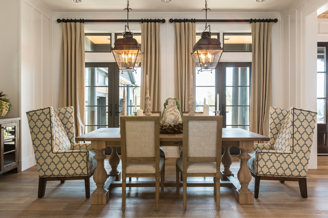 chairs-also-classic-closed-pendant-lamp-above-the-table