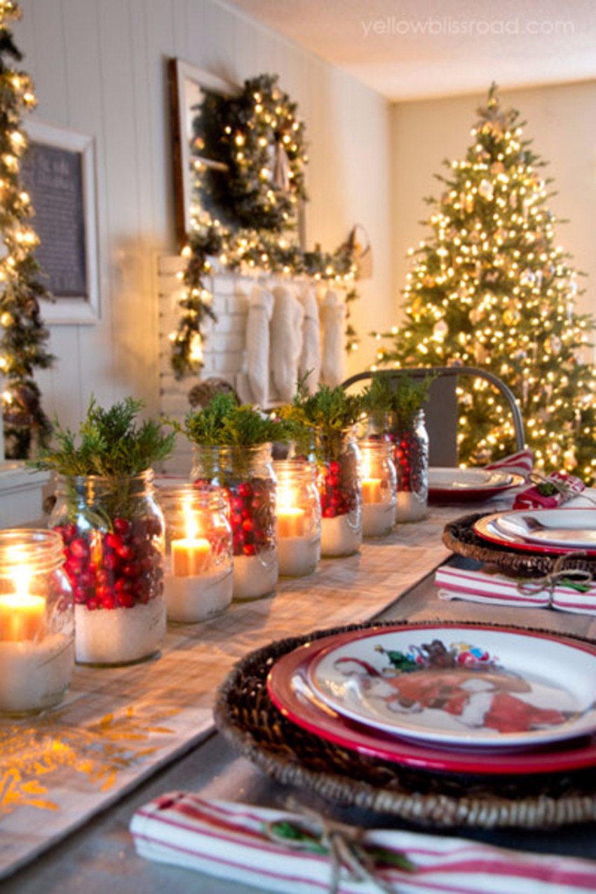 christmas christmas 10 Christmas Table Decorations for an Unforgettable Time ear9s1icd4z7menzl5jd 1
