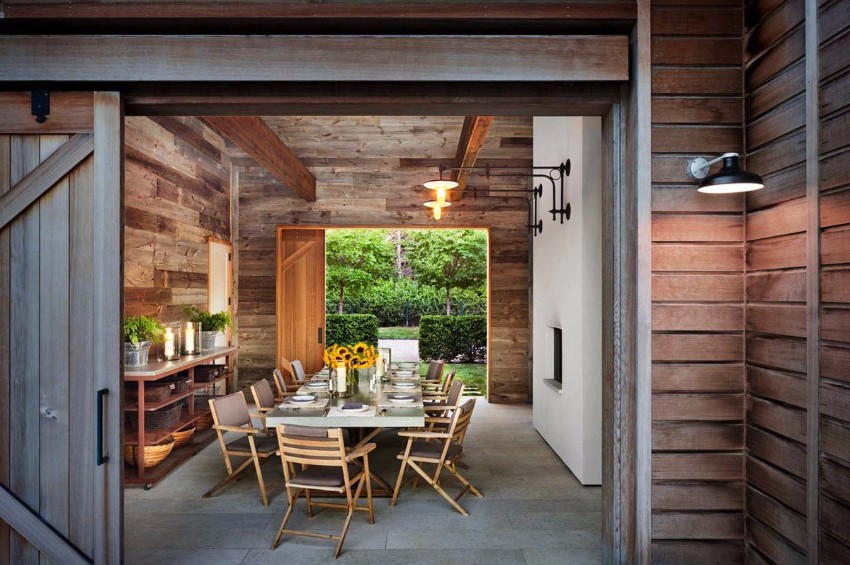 sliding doors sliding doors 10 Marvelous Dining Rooms with Wooden Sliding Doors CwSmSxEUoAAGfqW