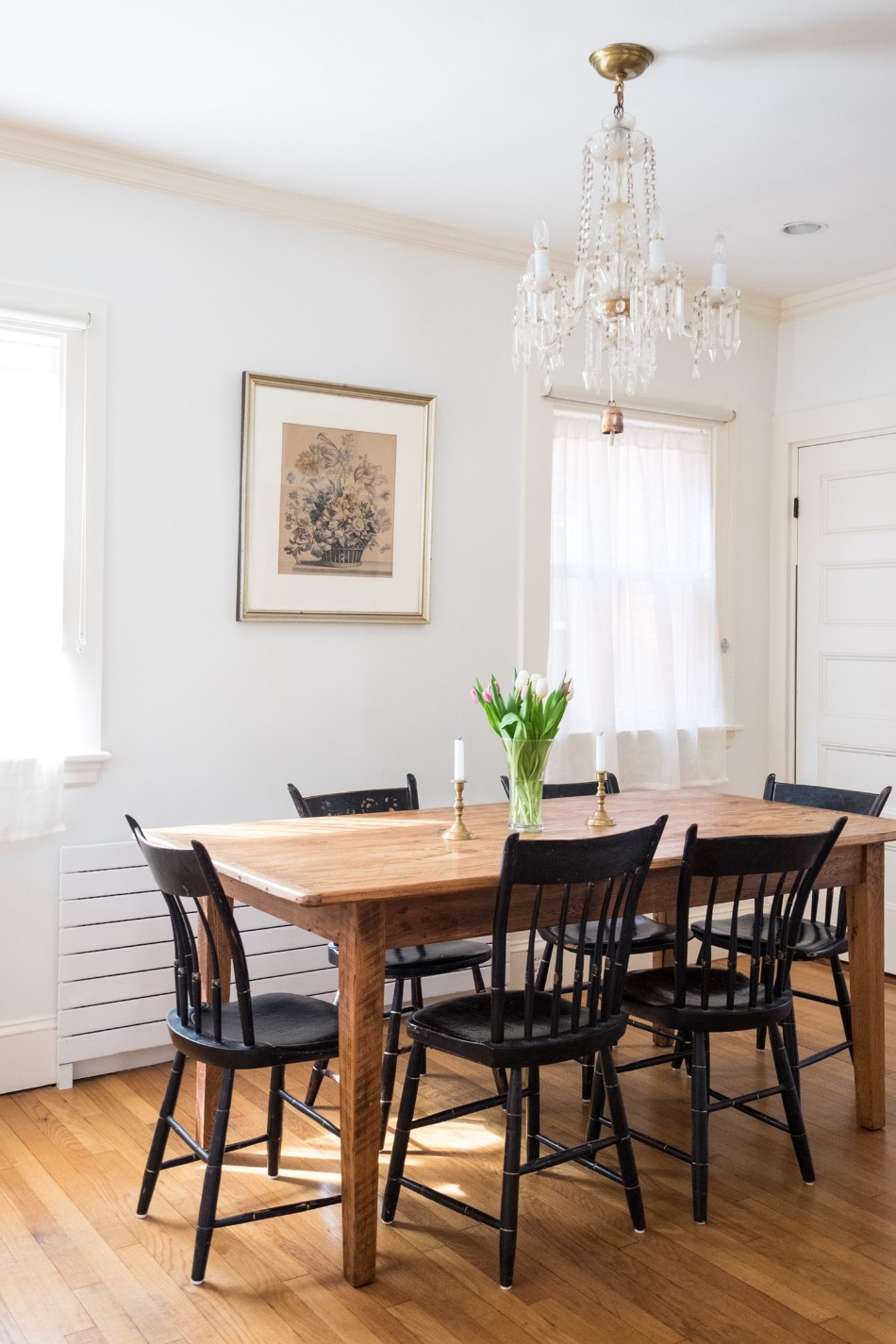 dining table How To Mix and Match Chairs With Your Dining Table 1cf425bf2f8e7620a21a2d9f7debdc27c3dfaff4 1