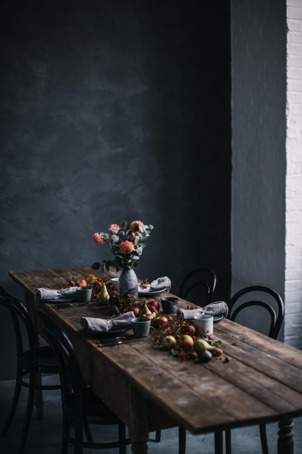 gray Gray and Wood: A Match Made in Design Heaven for your Dining Room 41ae846223ba99904c8640faa402b6a4