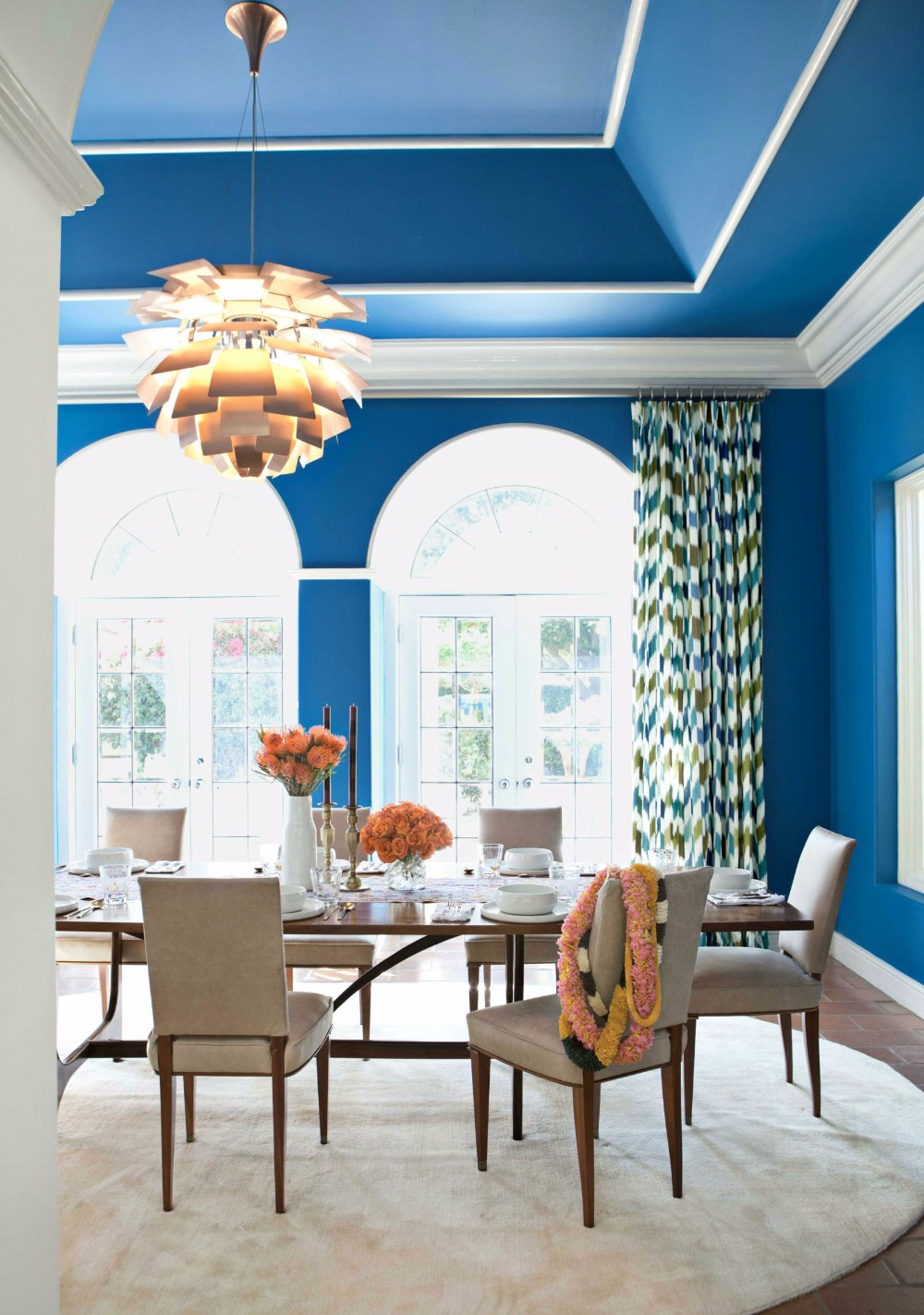 dining room 15 Best Colors for Dining Rooms 54c0a5d0778bd   06 hbx jane churchill rossini fabric nickey kehoe 0313 s2