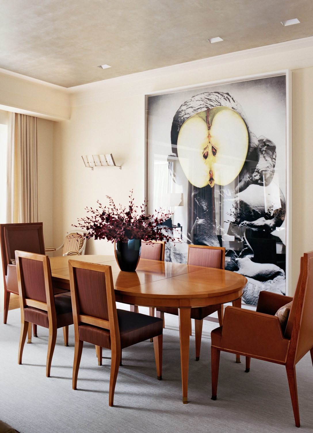 celebrity dining room 10 Celebrity Dining Rooms That You Will Love MARC JACOBS