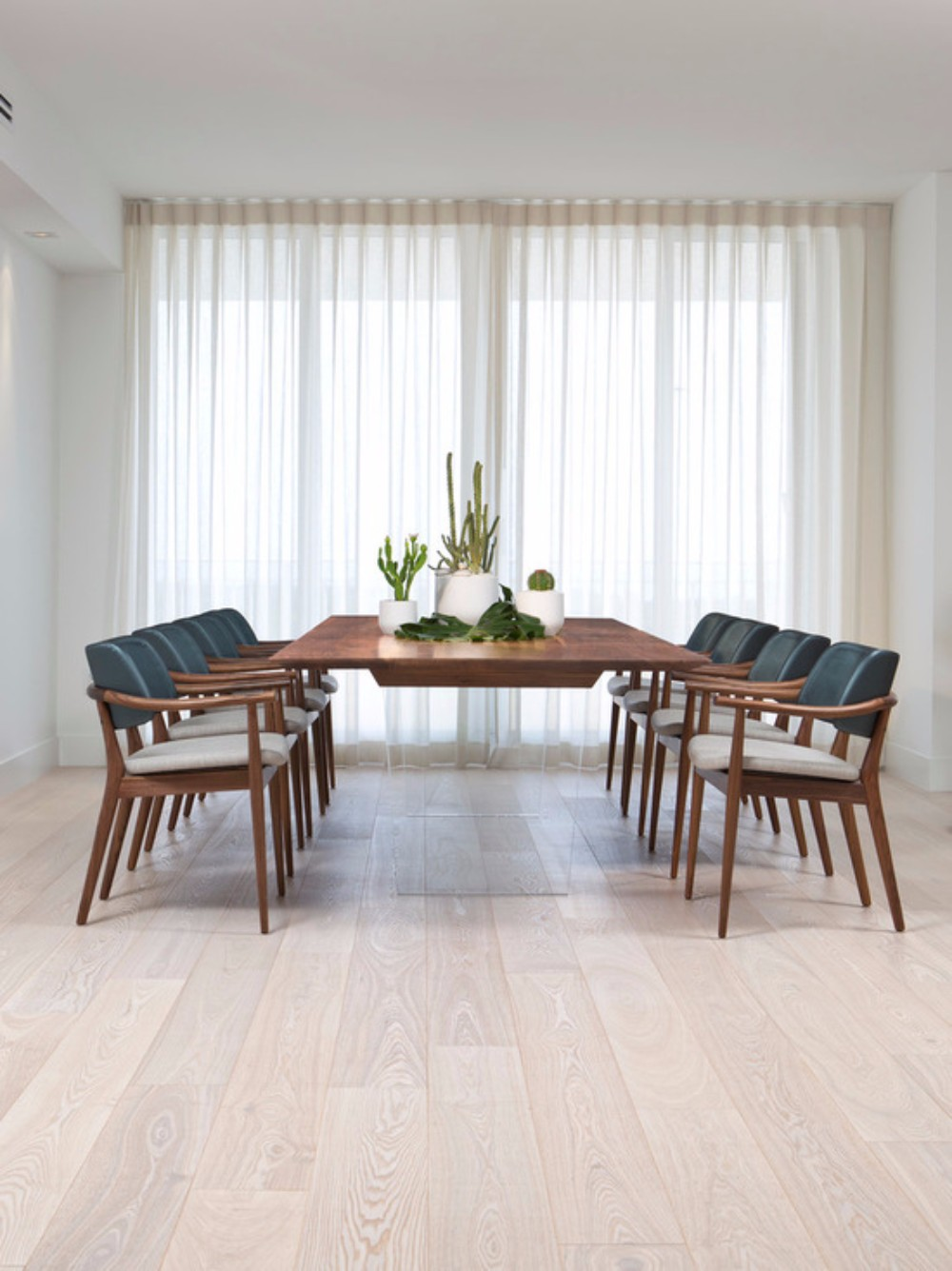 Dining Room Projects By Patricia Urquiola