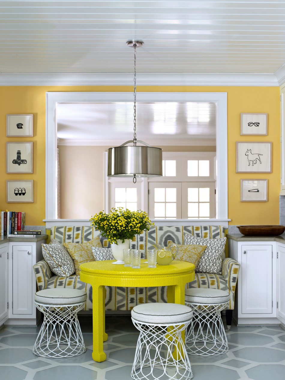 small dining room How To Make Your Small Dining Room Look Amazing 2ff6de40b2224d5efa843366352c04b9 2