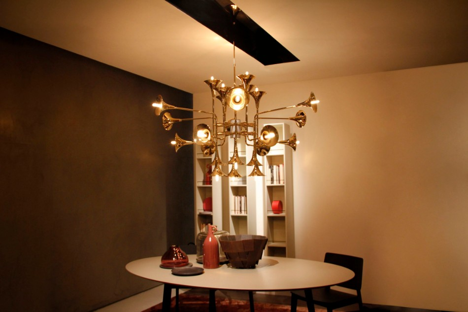 statement chandelier statement chandelier Brilliant Dining Rooms With Statement Chandeliers delightfull