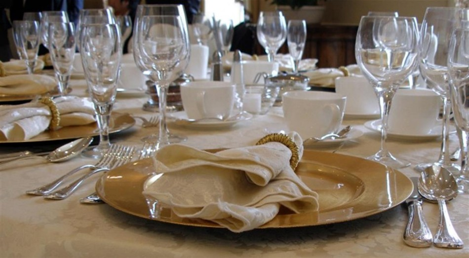 elegant dinner How to Set Your Dining Table For An Elegant Dinner transferir