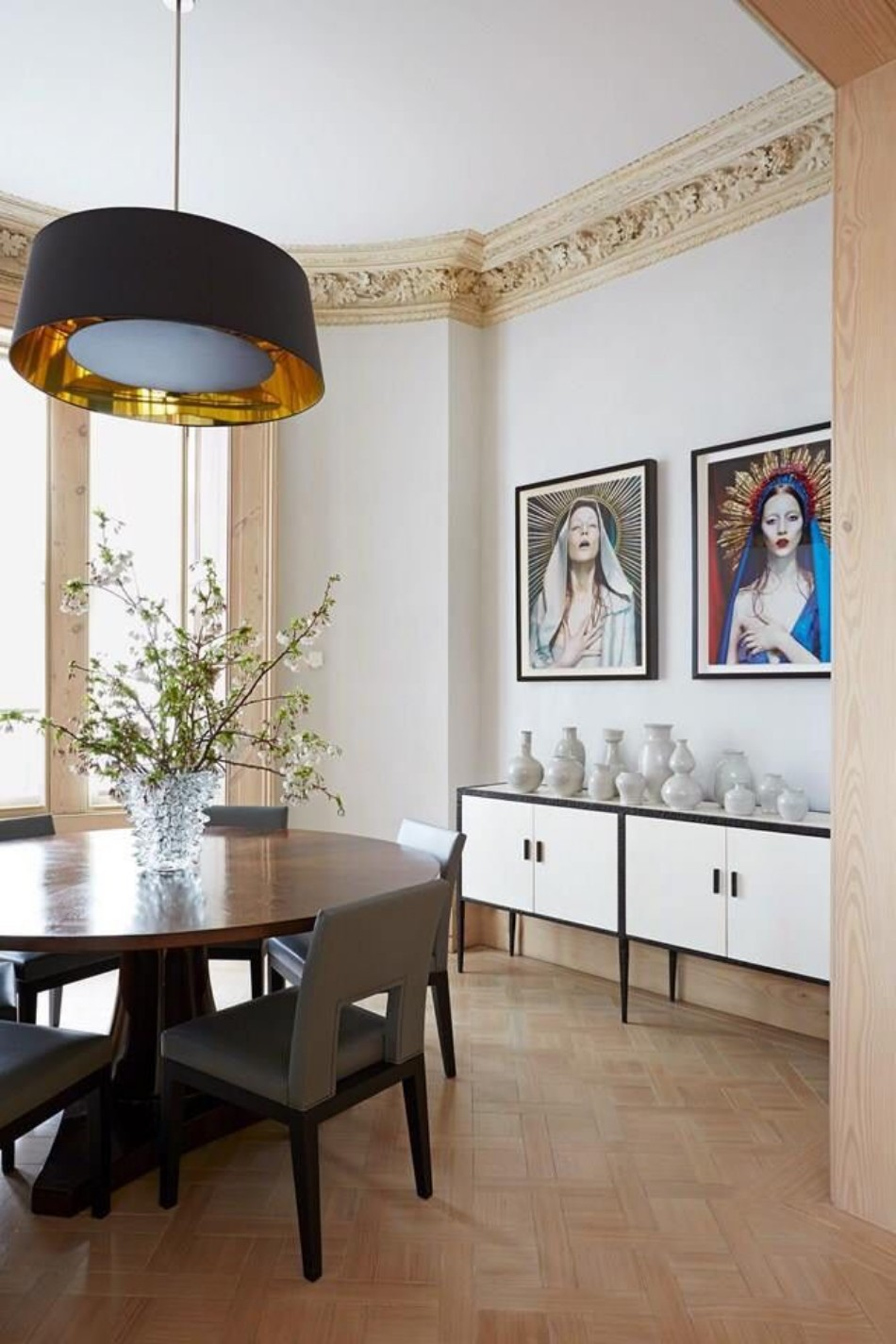 5 Dining Room Ideas By Peter Mikic To Get Inspired | www.bocadolobo.com #interiordesign #interiors #petermikic #top100interiordesigners #luxurydesign #luxuryhouses #moderndiningtables #diningtable #diningroom @moderndiningtables peter mikic 5 Dining Room Ideas By Peter Mikic To Get Inspired 5 Dining Room Ideas By Peter Mikic To Get Inspired 2