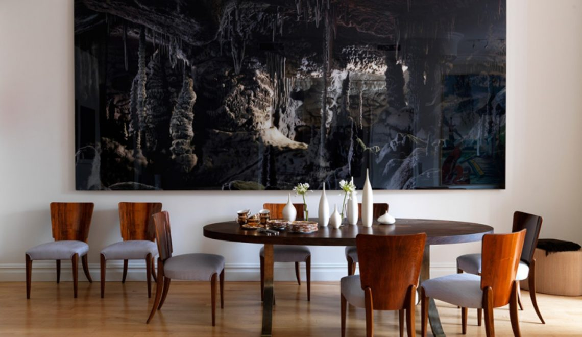 10 marvelous dining room sets with upholstered chairs for Modern paintings for dining room