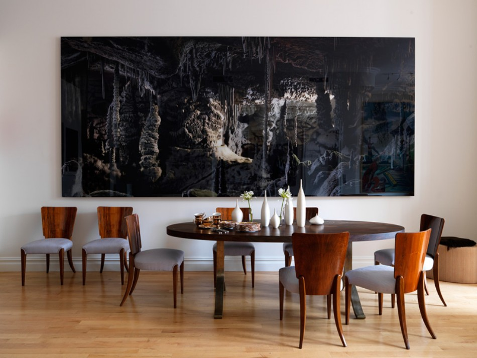 10 dining rooms with oversized art for Dining room wall art images