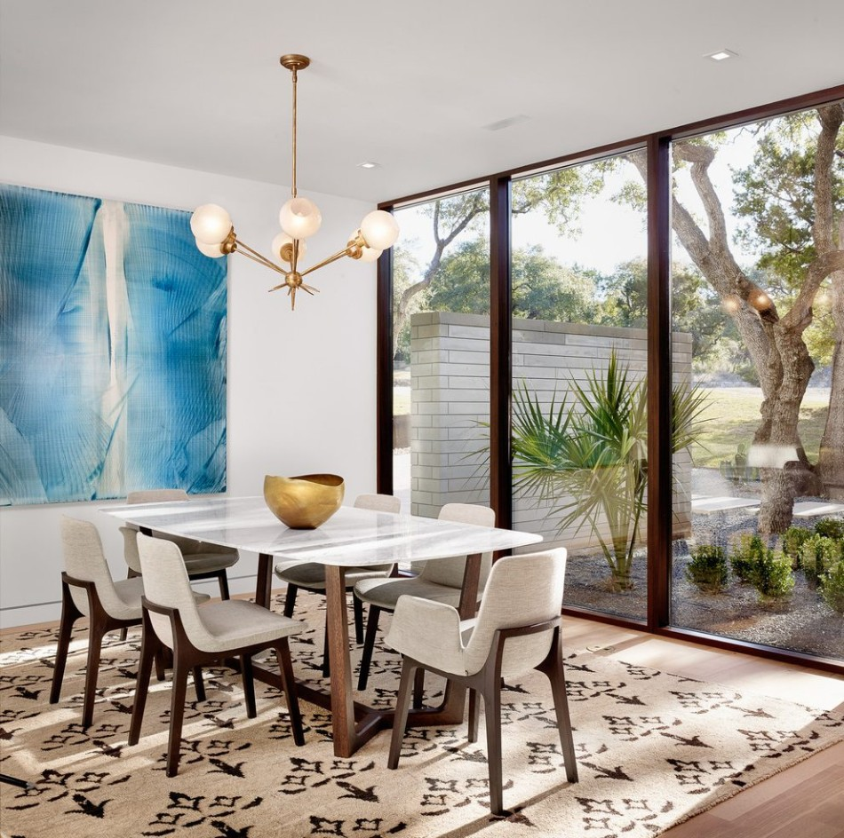 10 dining rooms with oversized art for Large dining room wall