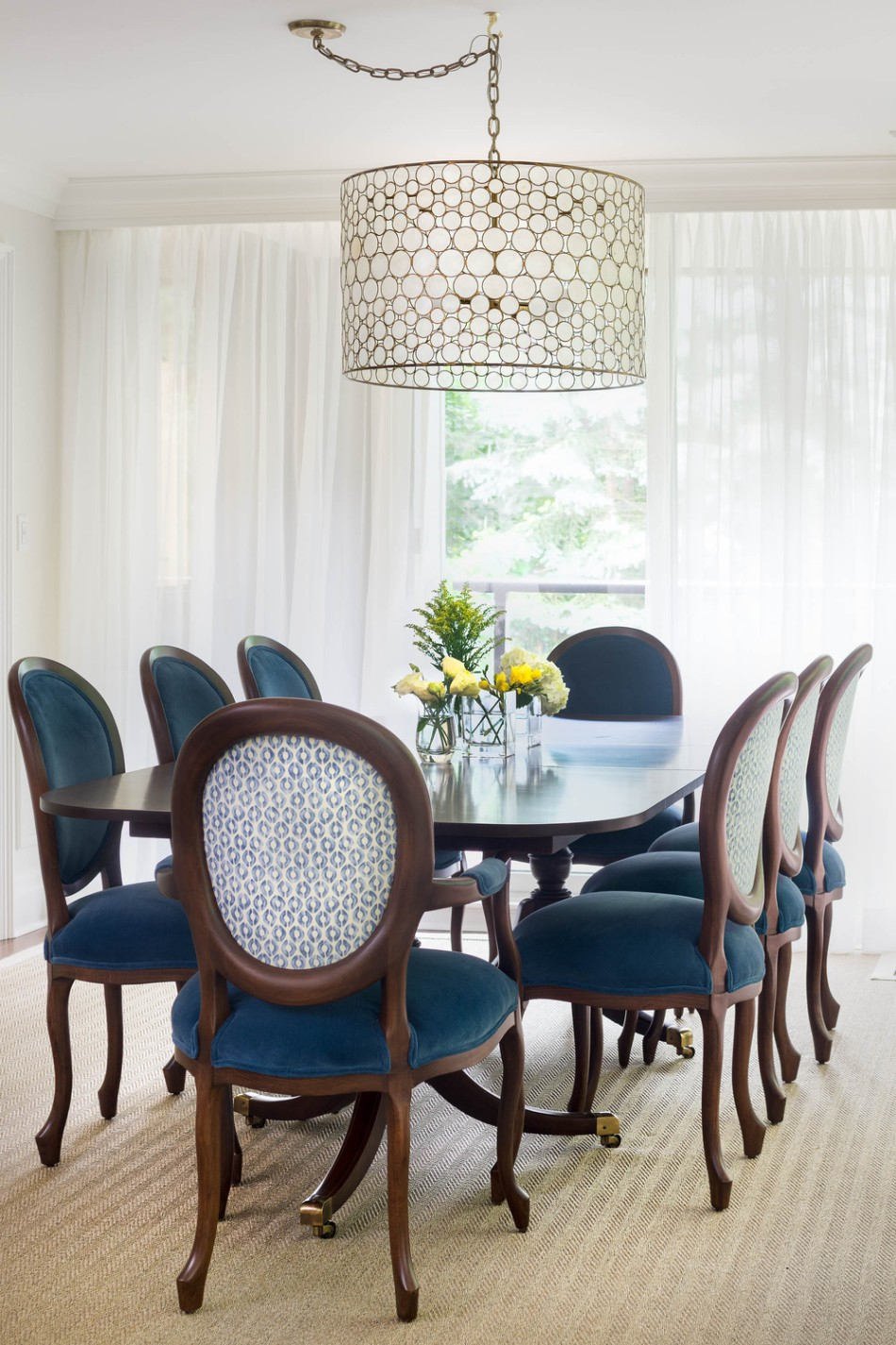 Amazing Chandelier Give Light To Your Dining Room With These Amazing Chandeliers RHD 7877 Edit EditWEB