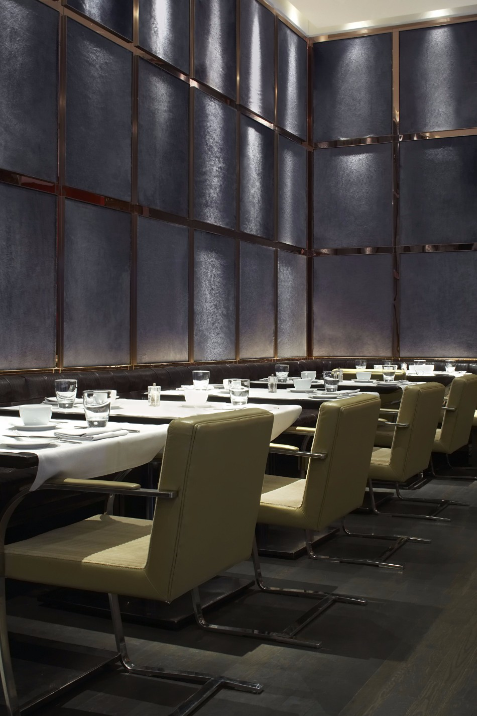Luxury hotels amazing dining areas designed by yabu for Amazing luxury hotels