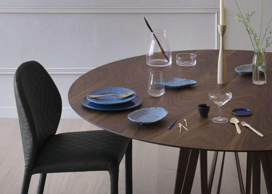 These Modern Dining Tables Are Inspired By Meter Sticks | www.bocadolobo.com #diningroom #diningarea #thediningroom #diningtable #interiordesign @moderndiningtables Modern Dining Table These Modern Dining Tables Are Inspired By Meter Sticks These Modern Dining Tables Are Inspired By Meter Sticks 1