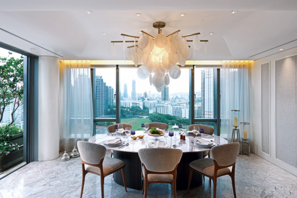 Top Interior Designers10 Brilliant Dining Rooms by AB Concept | www.bocadolobo.com #interiordesigners #top100 #abconcept#interiordesign #diningroom #thediningroom #moderndiningtable #luxurybrands @moderndiningtables