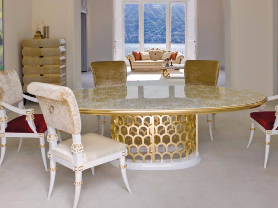 10 Gold Dining Tables For The Most Luxury Interiors | www.bocadolobo.com #moderndiningtables #diningtables #luxurydiningtables #golddiningtables #goldfurniture #diningroom #thediningroom #diningarea #diningareadesign #luxury #luxurious @moderndiningtables Luxury Interiors 10 Gold Dining Tables For The Most Luxury Interiors 10 Gold Dining Tables For The Most Luxury Interiors 1