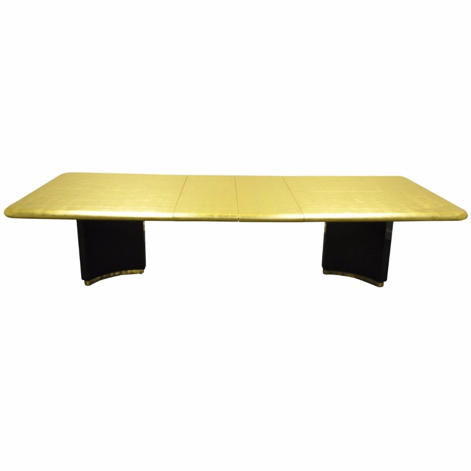 10 Gold Dining Tables For The Most Luxury Interiors | www.bocadolobo.com #moderndiningtables #diningtables #luxurydiningtables #golddiningtables #goldfurniture #diningroom #thediningroom #diningarea #diningareadesign #luxury #luxurious @moderndiningtables Luxury Interiors 10 Gold Dining Tables For The Most Luxury Interiors 10 Gold Dining Tables For The Most Luxury Interiors 2