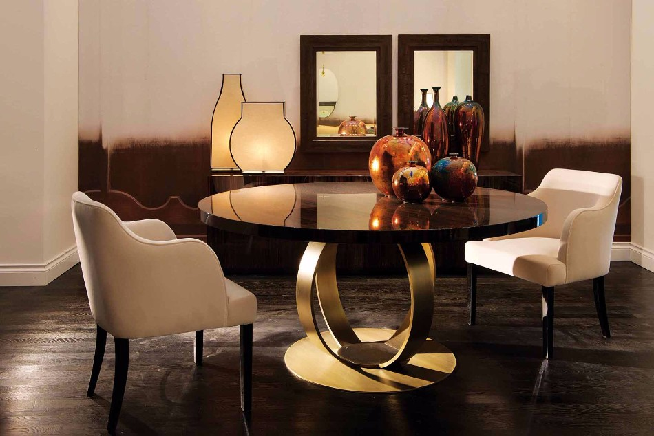 10 Gold Dining Tables For The Most Luxury Interiors | www.bocadolobo.com #moderndiningtables #diningtables #luxurydiningtables #golddiningtables #goldfurniture #diningroom #thediningroom #diningarea #diningareadesign #luxury #luxurious @moderndiningtables Luxury Interiors 10 Gold Dining Tables For The Most Luxury Interiors 10 Gold Dining Tables For The Most Luxury Interiors 4