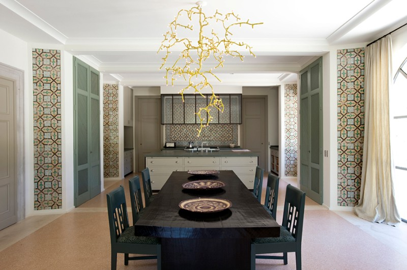 Stunning Dining Rooms Ideas By Jacques Grange | www.bocadolobo.com #diningroom #diningtable #moderndiningtable #diningtable #topinteriordesigners @moderndiningtables jacques grange Stunning Dining Rooms Ideas By Jacques Grange Stunning Dining Rooms Ideas By Jacques Grange 5