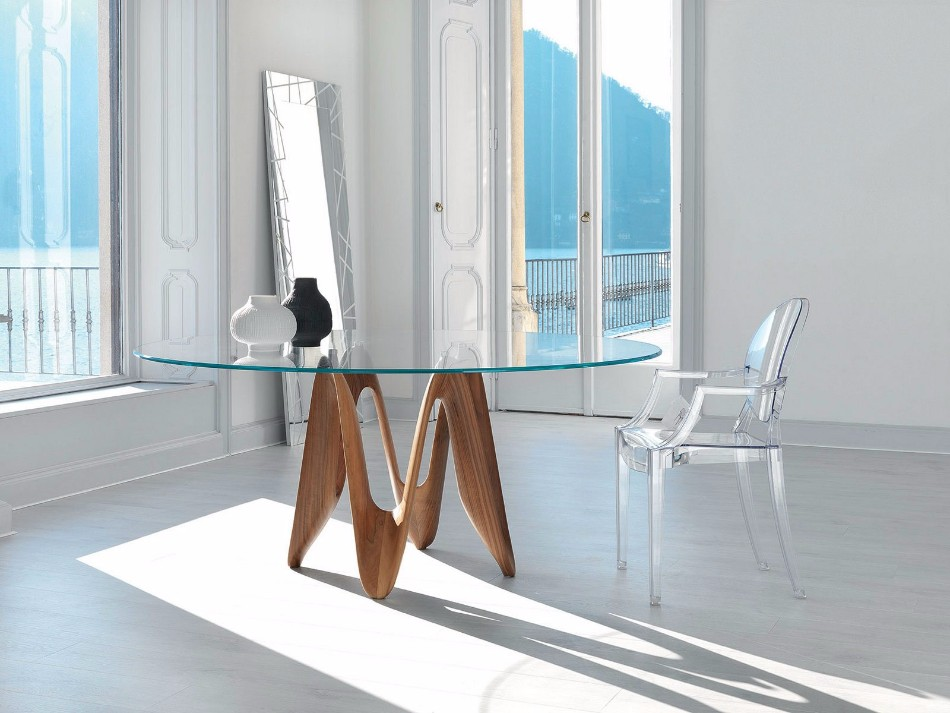 10 Beautiful Glass Dining Tables (Part II) | www.bocadolobo.com #glass #moderndiningtables #exclusivedesign #diningroom #thediningroom #diningarea #diningareadesign #luxurybrands @moderndiningtables glass dining tables 10 Beautiful Glass Dining Tables (Part II) 10 Beautiful Glass Dining Tables Part II 7