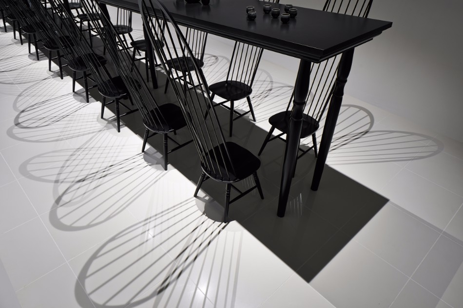 Amazing Optical Illusion Table In Japan | www.bocadolobo.com #moderndiningtables #diningroom #thediningroom #art #diningarea #diningareadesign #luxurybrands #luxuryworld #creative @moderndiningtables dining table Amazing Optical Illusion Dining Table In Japan Amazing Optical Illusion Dining Table In Japan 3