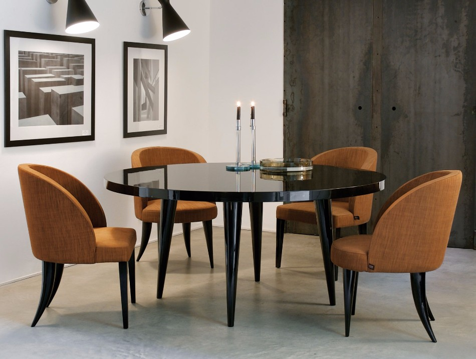 How to Choose the Perfect Dining Table for Luxury Dining Rooms | www.bocadolobo.com #diningtables #moderndiningtables #diningroom #thediningroom #diningarea #diningareadesign #roomdesign #interiordesign #gold #interiordesigners #famousbrands #luxurybrands @moderndiningtables luxury dining rooms How to Choose the Perfect Dining Table for Luxury Dining Rooms How to Choose the Perfect Dining Table for Luxury Dining Rooms 8