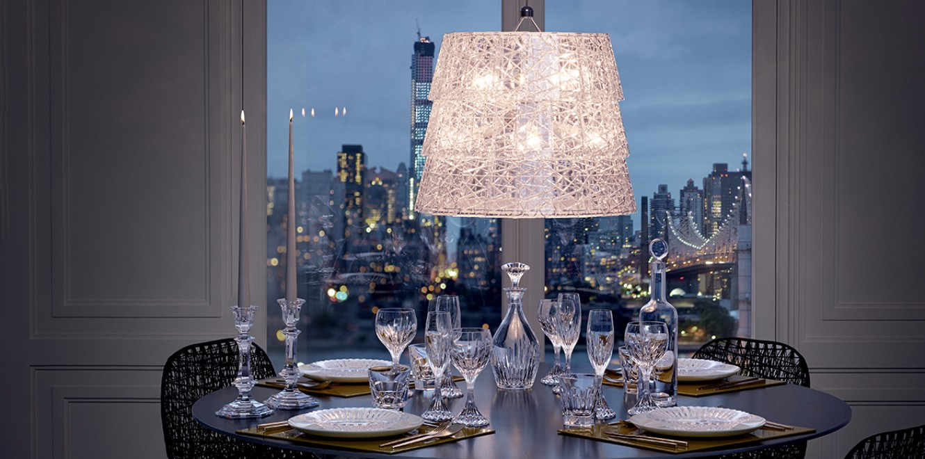 Baccarat d cor ideas make the most beautiful dining tables for Decoration cristal