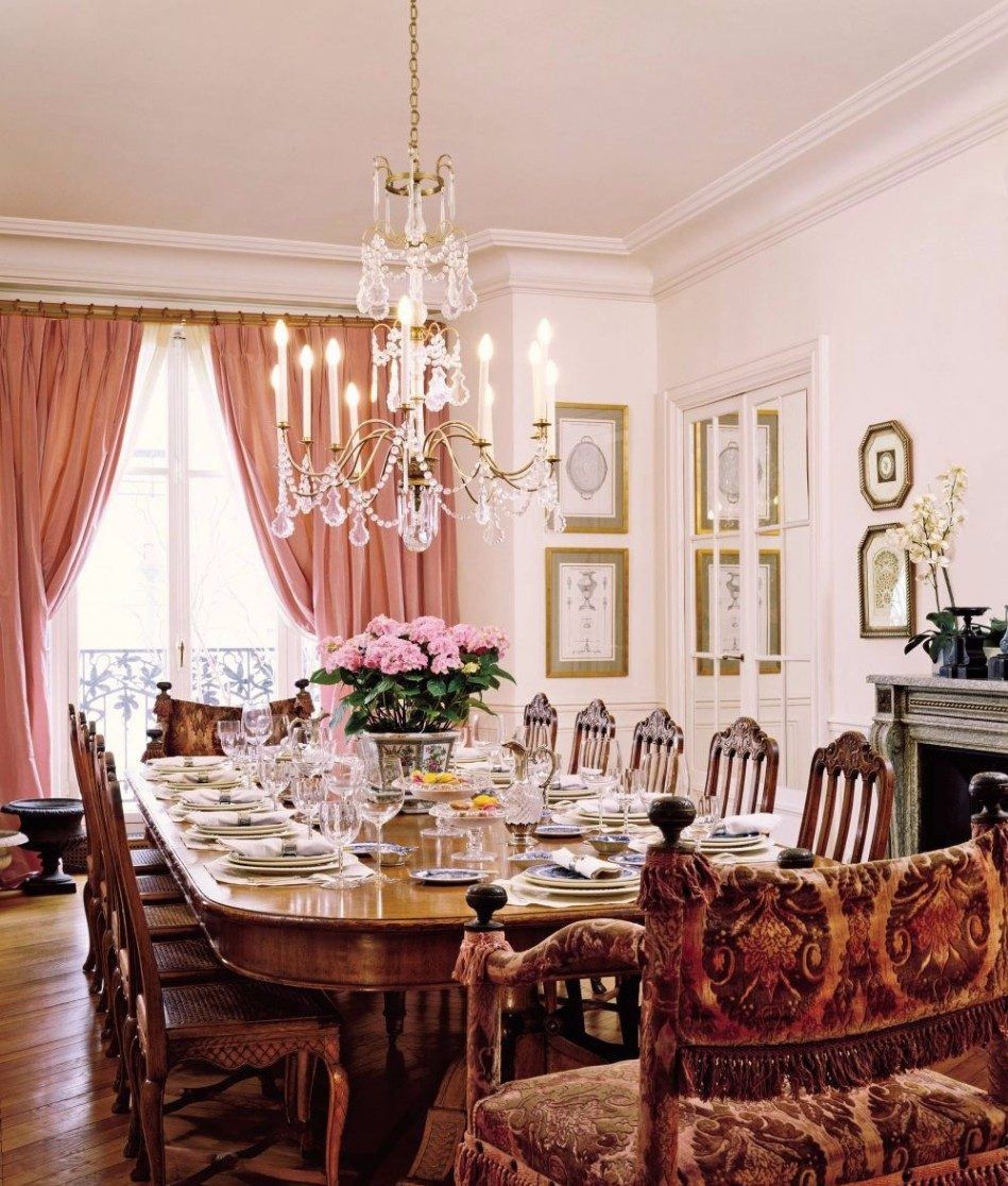 The Best Large Dining Tables To Throw A Big Party | www.bocadolobo.com #moderndiningtables #tables #diningroom #thediningroom #diningarea #diningareadesign #roomdesign #exclusivedesign #luxurybrands #luxury #luxurious #party #dinnerparty @moderndiningtables large dining tables The Best Large Dining Tables To Throw A Big Party The Best Large Dining Tables To Throw A Big Party 1 e1502359159476