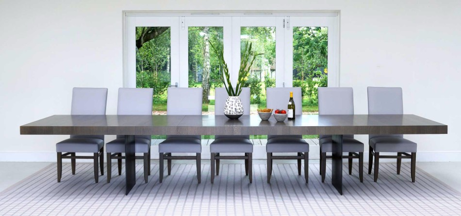 The Best Tables To Redesign Your Dining Room For The Fall | www.bocadolobo.com #moderndiningtables #diningtables #golddiningtables #tables #designtrends #falltrends #wood #glass #thediningroom #diningroomdesign #diningarea #diningareadesign #roomdesign @moderndiningtables Dining Room The Best Tables To Redesign Your Dining Room For The Fall The Best Tables To Redesign Your Dining Room For The Fall 3