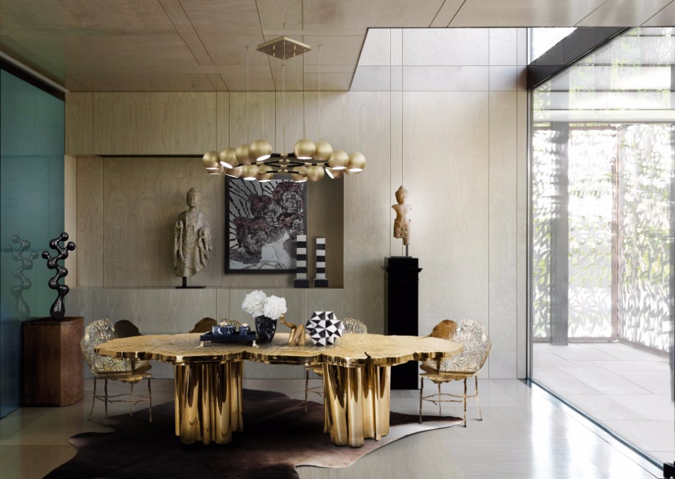 The Best Tables To Redesign Your Dining Room For The Fall | www.bocadolobo.com #moderndiningtables #diningtables #golddiningtables #tables #designtrends #falltrends #wood #glass #thediningroom #diningroomdesign #diningarea #diningareadesign #roomdesign @moderndiningtables