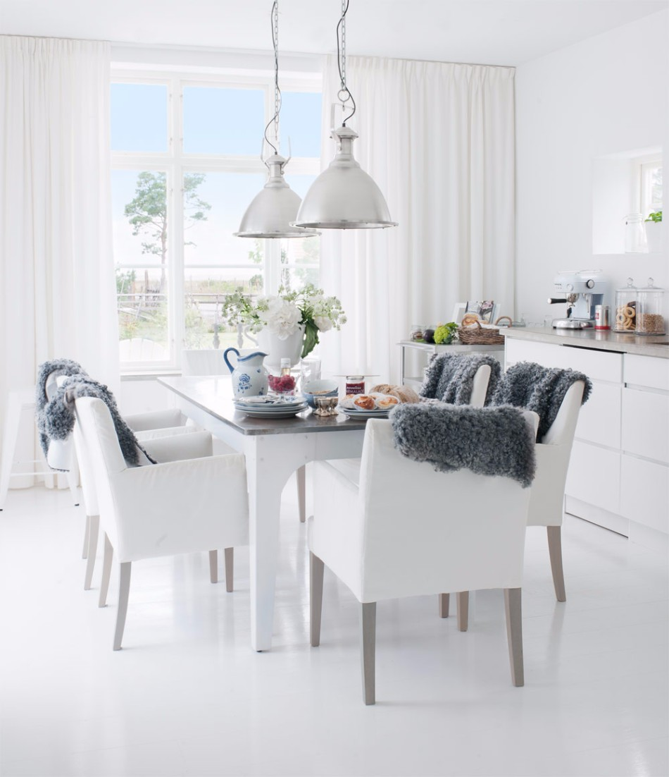 10 Brilliant Ideas Of All-White Dining Rooms | www.bocadolobo.com #moderndiningtables #diningarea #thediningarea #diningareadesign #white #luxury #allwhite #interiordesign #homedecorideas @moderndiningtables Dining Room 10 Brilliant Ideas Of All-White Dining Rooms 10 Brilliant Ideas Of All White Dining Rooms 5