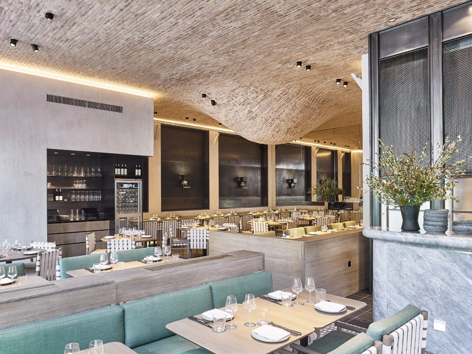 A Luxury Restaurant With The Most Creative Walls and Ceiling | www.bocadolobo.com #luxuryrestaurant #restaurant #architecture #exclusivedesign #interiordesign #moderndiningtables #diningtables #diningarea #diningroom #thediningroom #roomdesign #diningroomdesign #diningareadesign @moderndiningtables luxury restaurant A Luxury Restaurant With The Most Creative Walls and Ceiling A Luxury Restaurant With The Most Creative Walls and Ceiling 6
