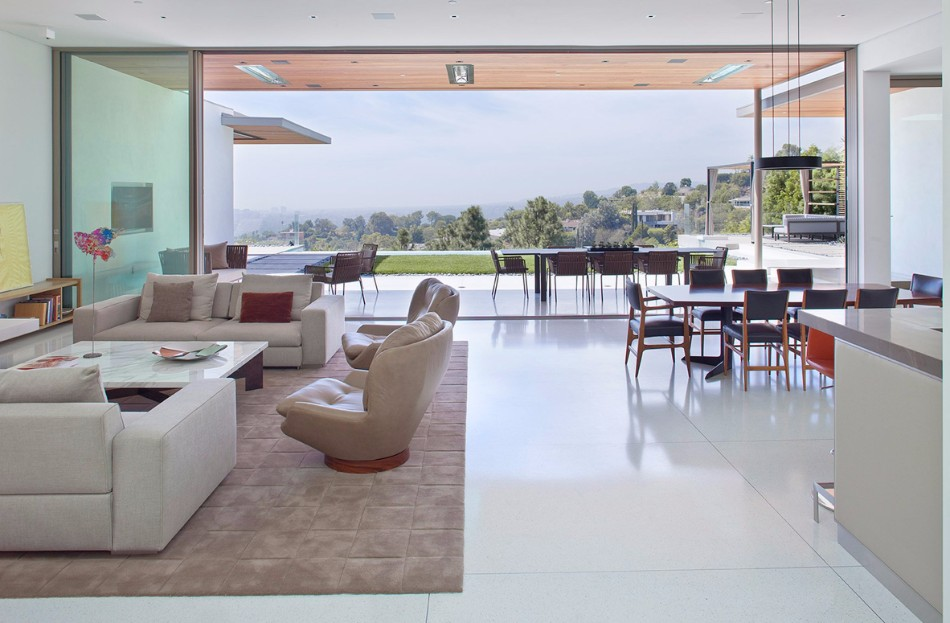 The Stunning Dining Area From Art Collector's Beverly Hills House | www.bocadolobo.com #moderndiningtables #diningtables #diningroom #diningarea #thediningroom #diningareadesign #outdoor #roomdesign #interiordesign #exclusivedesign @moderndiningtables dining area The Stunning Dining Area From Art Collector's Beverly Hills House The Stunning Dining Room Area From Art Collector   s Beverly Hills House 2