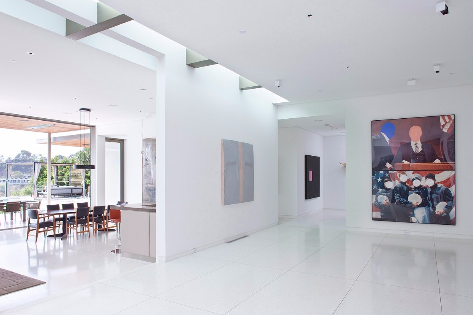 The Stunning Dining Area From Art Collector's Beverly Hills House | www.bocadolobo.com #moderndiningtables #diningtables #diningroom #diningarea #thediningroom #diningareadesign #outdoor #roomdesign #interiordesign #exclusivedesign @moderndiningtables dining area The Stunning Dining Area From Art Collector's Beverly Hills House The Stunning Dining Room Area From Art Collector   s Beverly Hills House 5