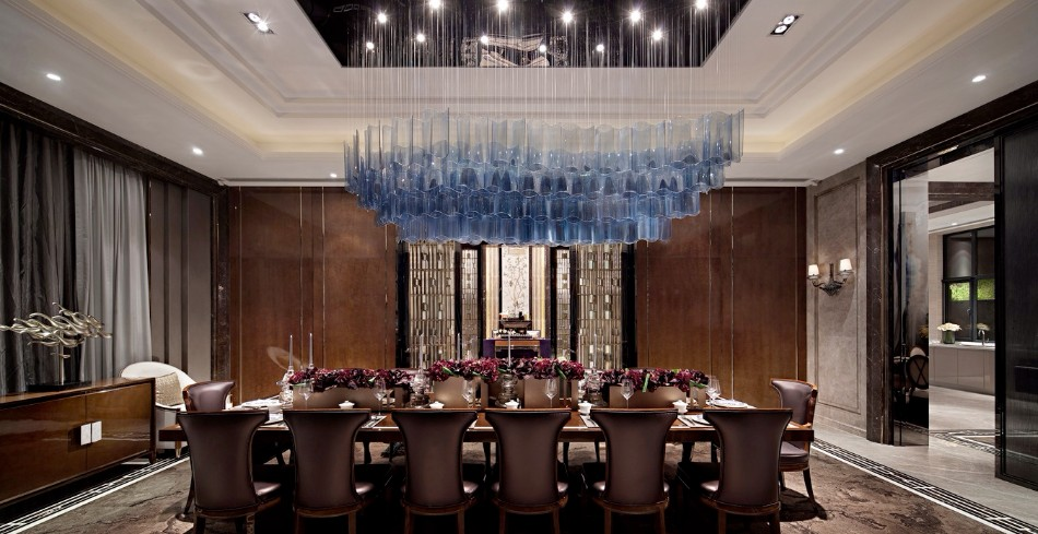 Luxury Dining Room Ideas by Top Interior Designers in Hong Kong | www.bocadolobo.com #hongkong #interiordesign #topinteriordesigners #moderndiningtables #diningtables #diningroom #thediningroom #diningarea #luxurybrands #exclusivedesign #bestinteriordesigners @moderndiningtables Top Interior Designers Luxury Dining Room Ideas by Top Interior Designers in Hong Kong Luxury Dining Room Ideas by Top Interior Designers in Hong Kong 9