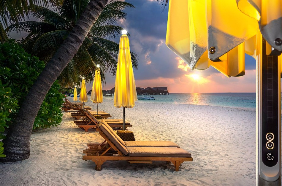 The Illuminated Parasol You'll Need in Your Outdoor Dining Room | www.bocadolobo.com #diningroom #diningarea #thediningroom #outdoor #outdoordinner #diningtables #moderndiningtables #luxurybrands #exclusivedesign @moderndiningtables outdoor dining The Illuminated Parasol You'll Need in Your Outdoor Dining Room The Illuminated Parasol You   ll Need in Your Outdoor Dining Room 6