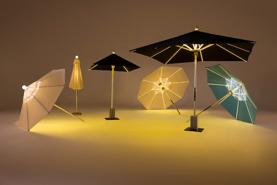 The Illuminated Parasol You'll Need in Your Outdoor Dining Room | www.bocadolobo.com #diningroom #diningarea #thediningroom #outdoor #outdoordinner #diningtables #moderndiningtables #luxurybrands #exclusivedesign @moderndiningtables outdoor dining The Illuminated Parasol You'll Need in Your Outdoor Dining Room The Illuminated Parasol You   ll Need in Your Outdoor Dining Room 9